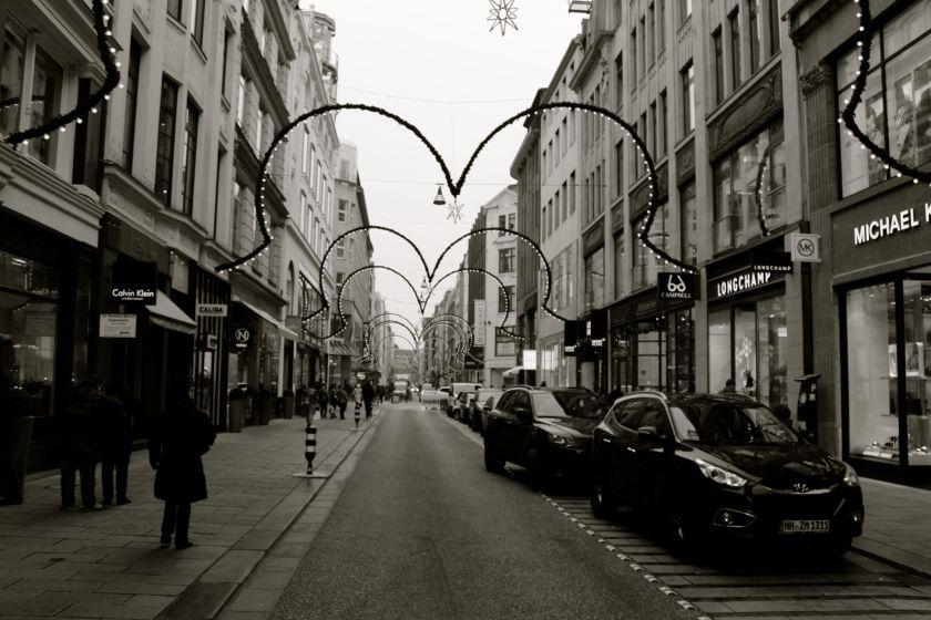 hamburg-christmas-winter-market-travel-midnight blue elephant- annika ziehen